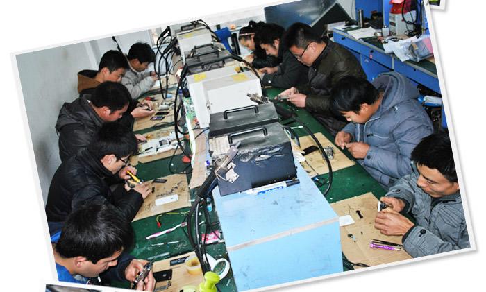 【苹果手机维修前景】  苹果手机维修市场巨大,由于对维修人才的技术